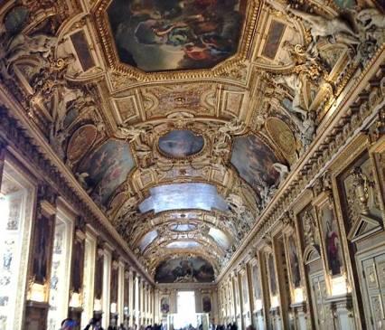 галерея Апполона в Лувре